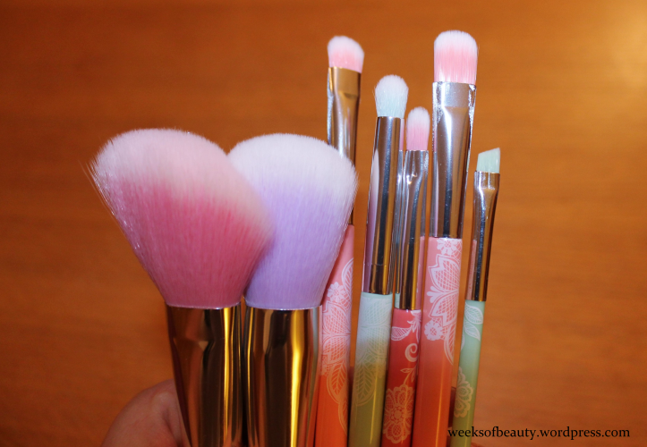 Essence brushes - weeksofbeauty.wordpress.com